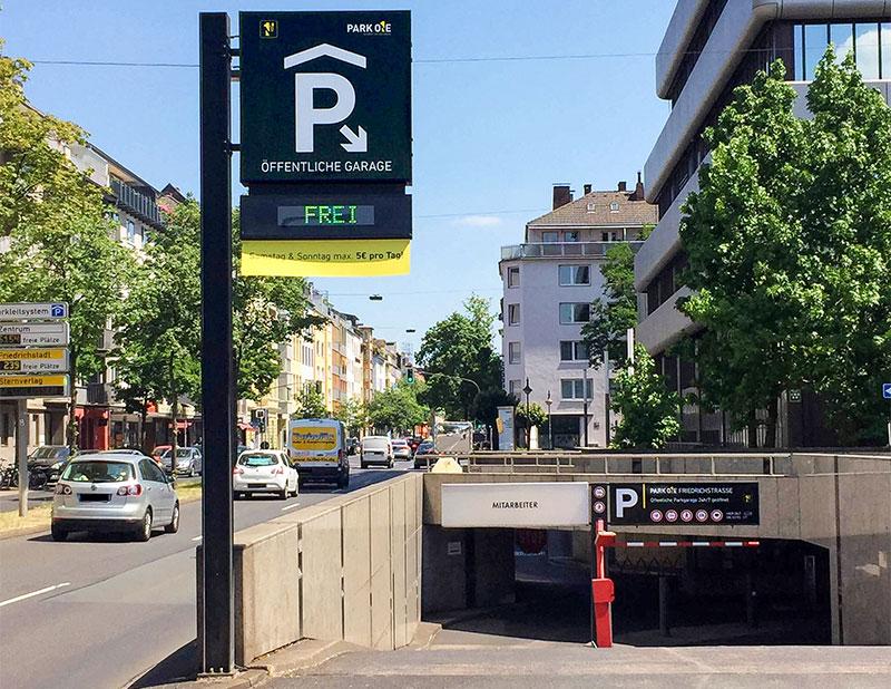"""Einfahrt der Tiefgarage """"Herzogterrassen"""" in Düsseldorf"""